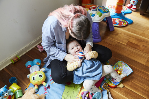 North (11 months) and mum Lorna photographed at home in Bristol - Wonder Words - Emli Bendixen